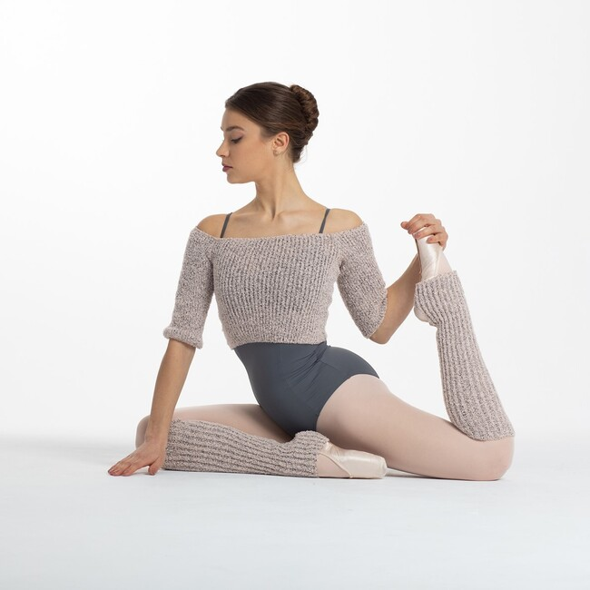 We are totally in love with our Baguilla Collection 🖤 top and leg warmers available at intermezzodancewear.com in pink, grey or black ⚡ .   #intermezzodance #dancewithintermezzo #dancewear #fordancers #balletdancers #ballerinas #ballet #dancers #dancing #balletlife #balletinspiration #balletlover #balletlegwarmers #balletdance #balletoutfit #balletgirls #pointe #dance #intermezzotop #balletgirls #balletschool #balletoutfit #balletlook #staywarm #warmup #balletwarmup #dancewarmup