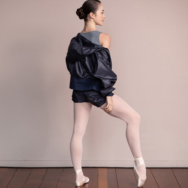New zip up wide hoodie jacket in perspiration fabric. Wear it with the perspiration pants or shorts and create the prefect warm-up outfit 🖤 Jacket only available at our dance stores .  #intermezzodance #dancewear #fordancers #dancewithintermezzo #balletdancer #balletlife #balletnewcollection #newcollection #ballerina #dancer #dancing #pointe #balletleotard #balletinspiration #ballet #balletlover #balletgirl #pointeshoes #ballerinaphotography #balletphotography #dance #balletelegance #elegantballet #warmup #dancewarmup #balletwarmup #dancehoodie #balletjacket